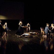 Représentation des élèves du collège de Champigny à l'Agora de la danse à Montréal